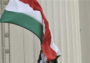 В Венгрии оппозиция требует прекратить выдачу украинцам национальных паспортов
