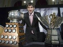 NHL: Овечкин получил призы лучшего бомбардира и снайпера сезона