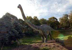 Палеонтологи объяснили, для чего динозаврам была нужна длинная шея