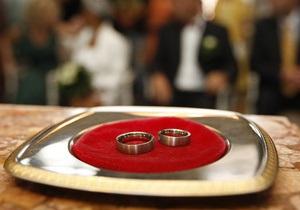 Новости Японии: Японцам предложили пожениться в поезде
