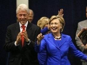 Клинтон: Бушу и Маккейну абсолютно безразлична судьба среднего класса