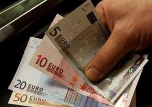 Евро зафиксировал очередной годовой минимум