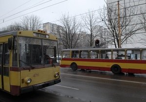 В Запорожье и Симферополе произошли аварии с участием троллейбусов