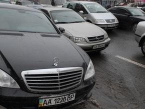 В Киеве ограничили движение по Южному мосту и эстакаде через Столичное шоссе