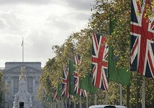 Великобритания вводит языковой тест для супружеских виз