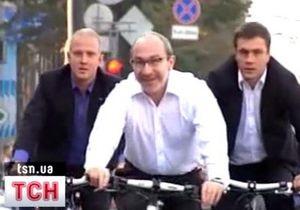 Кернес и Добкин поехали на работу на велосипедах