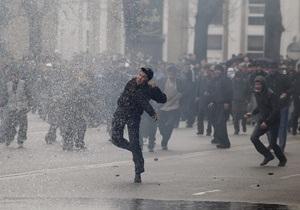 На юге Кыргызстана начались столкновения между сторонниками и противниками Бакиева
