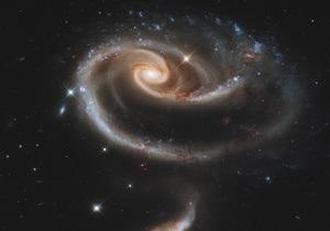 Поглощаемое черной дырой газовое облако перед гибелью засияет в 100 раз ярче Солнца