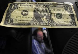 Гривна на межбанке упала к доллару до минимума с января 2010 года
