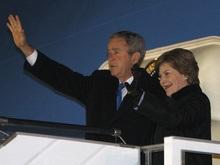 Джордж Буш улетел