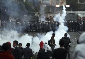 Египет: Каирская полиция обстреливает демонстрантов мелкой дробью