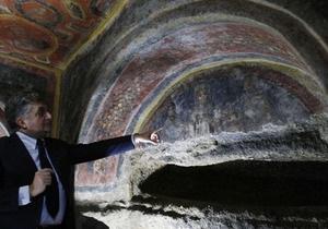 В римских катакомбах археологи обнаружили древнейшие изображения апостолов
