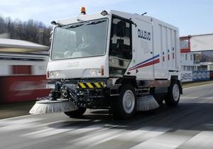 Перед визитом Януковича в Енакиево из госбюджета выделили 2,4 млн грн на уборочную машину