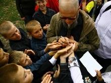 Фотогалерея: БГ прилетел к украинским детям
