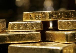 Цена золота впервые превысила $1850 за унцию