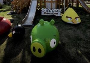 Американский ученый вычислил диаметр свиней в Angry Birds
