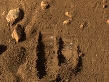 Феникс успешно загрузил свою печь марсианским грунтом