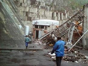 Глава Хакасии опроверг слухи о стуках выживших, доносящихся из-под завалов на ГЭС