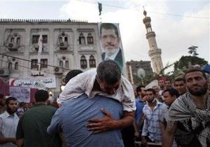 Каир: убиты более 100 участников акции в поддержку Мурси