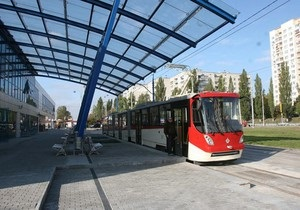 На открытой в прошлые выходные линии скоростного трамвая сломался один из составов