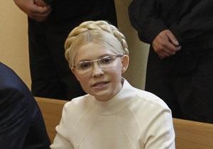 Защита Тимошенко просит возобновить судебное следствие