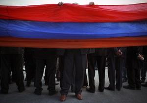 В Армении на ряде избирательных участков пропали печати