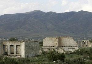 Азербайджан просит Украину помочь вывести армянские войска из Карабаха