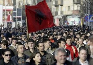 Евросоюзу посоветовали не отправлять иммигрантов из Косово на родину