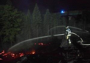 Лесные пожары в пригороде Афин тушат с воздуха