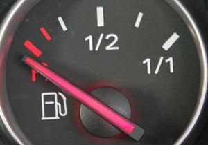 Эксперты: Запасы бензина на украинских НПЗ снизились до критического минимума