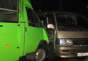 За минувшие сутки на дорогах Украины в ДТП погибли двое человек