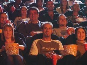 В США посетитель кинотеатра выстрелил в мужчину за разговоры во время сеанса