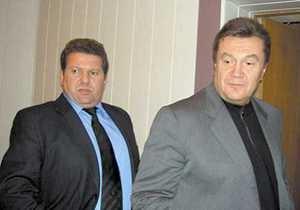 Янукович сменил своего представителя в Крыму