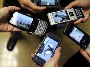 В Украину почти перестали ввозить контрабандные мобильные телефоны