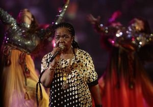 Знаменитая певица Цезария Эвора перенесла операцию на сердце