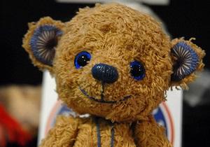 Сторонники Киреева принесли под Печерский райсуд игрушечного медведя
