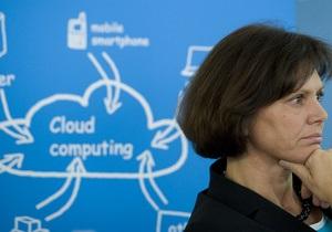 Сателлиты в облаке: цифровые технологии совершают революцию в сфере труда - DW