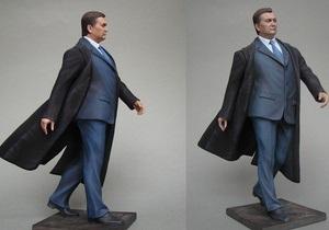 Администрация Медведева заказала оловянного Януковича за $15 тысяч