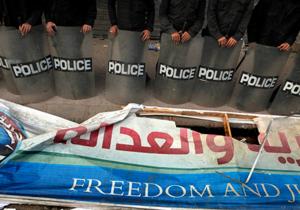 Египет - Задержанных ночью лидеров Братьев-мусульман поместили в тюрьму к Мубараку