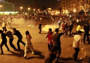 В Каире прошли крупнейшие после революции столкновения демонстрантов с полицией