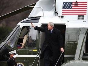 Сегодня, в последний день президентства Буша, Белый дом обещают забросать ботинками