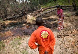Shell вызывают в суд за утечки нефти в Нигерии