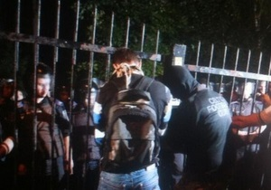 Штурм РОВД Святошино - новости Украины: Относительно пострадавшей активистки КУПР ранее было составлено пять админпротоколов - источник