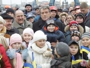 Ющенко верит, что Святой Николай зайдет в каждый дом