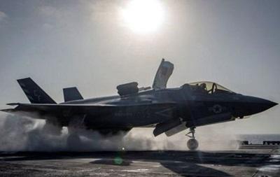 Япония купит у США еще 20 истребителей-бомбардировщиков