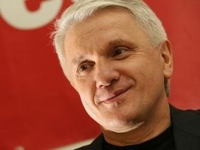Литвин пожелал женщинам внимания мужчин