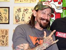 Американец сделал 415 татуировок за сутки