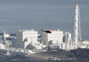 Спецмашины начали заливать водой третий энергоблок АЭС Фукусима-1