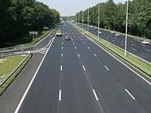Черновецкий распорядился каждый день проверять разметку на дорогах