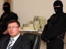 Рядовые украинцы за всю жизнь тратят тысячи долларов на взятки